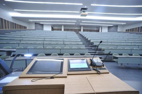 lecture-hall-130-front