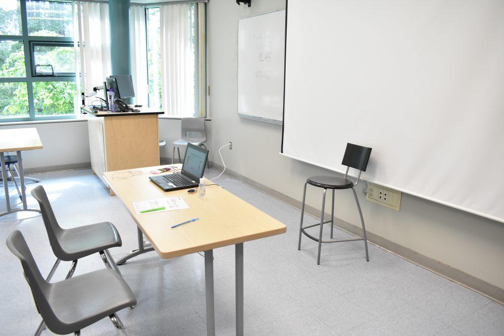 ca250_capilano_classroom02